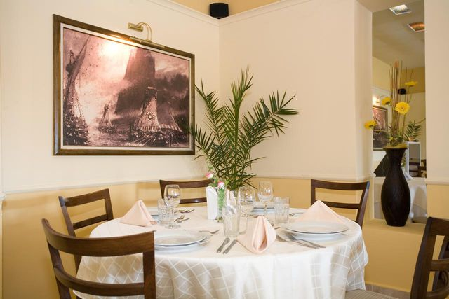 Hotel Detelina - Food and dining